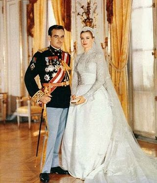 Grace-Kelly-wedding-dress-1956