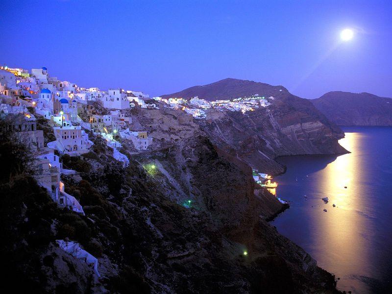 Santorini_overview